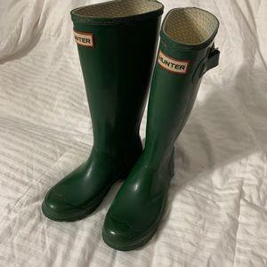 H U N T E R green boots size 5W